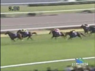 エリザベス女王杯でスタート直後に騎手が落馬した馬が優勝馬に先着