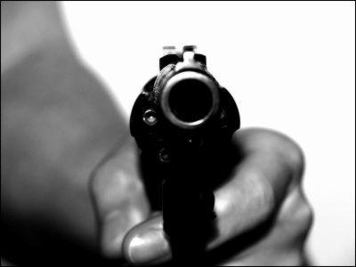 酒に酔った警察署長が一般人に発砲し7人が死傷 - GIGAZINE