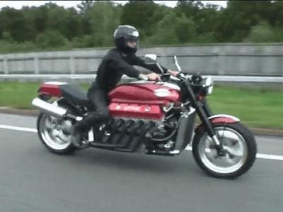 ダッジ・バイパーのV10、8000cc、500馬力エンジンを搭載したモンスターバイク