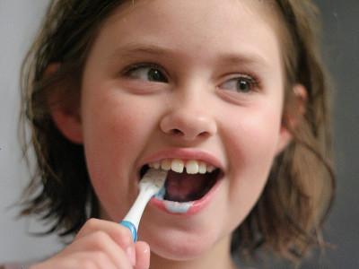 疲れた後の歯磨きは脳を活性化させてリフレッシュする効果が