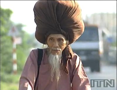 髪の毛の長さ6.8mという世界最長記録を保有していた男性・Tran Van Hayさんが亡くなる - GIGAZINE - photo #4