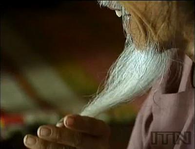 髪の毛の長さ6.8mという世界最長記録を保有していた男性・Tran Van Hayさんが亡くなる - GIGAZINE - photo #11