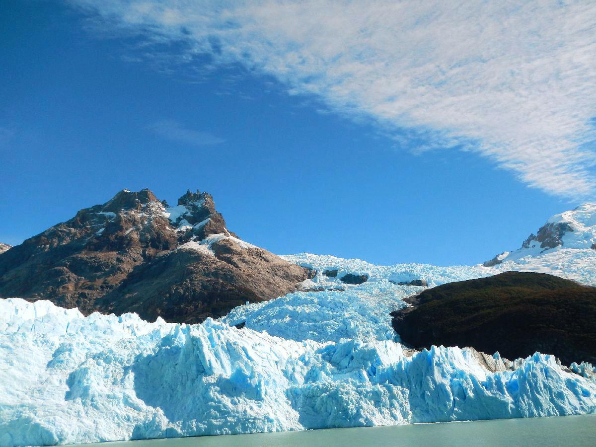 パタゴニアの氷河がこんなに美しい青があると気付かせてくれた