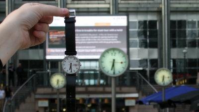 outlet store 62948 a5ebe Appleがスイス連邦鉄道時計のデザインを盗用した件で約17億円を ...