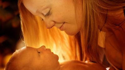 なぜ赤ちゃんはどこの国でも最初に「ママ」と言うのか