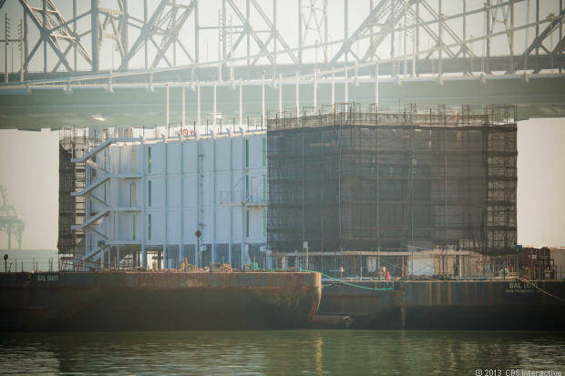 Googleが海上データセンターとみられる謎の巨大施設を建設中 - GIGAZINE