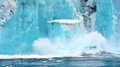 北極 氷 溶ける