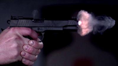 発砲時に銃口で何が起きているの...