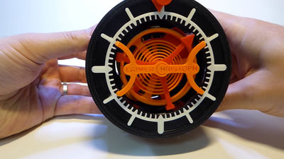 3Dプリンターでぜんまい仕掛けのトゥールビヨン式時計を自作した猛者が登場、パーツデータや組み立て方法などを公開中