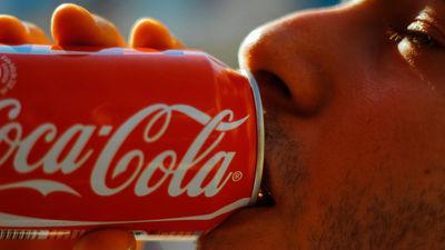 毎日炭酸飲料を飲むとどんな悪影響があるのか科学的に解説