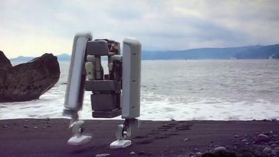 Googleが買収した日本の「Schaft」が、膝のない独自構造で安定感抜群の二足歩行ロボットを初披露