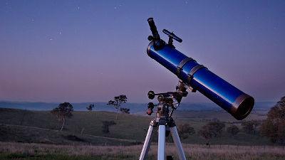 天体観測を始めるにはどんな望遠...