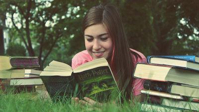 本から限られた時間で最大限の情報を得る読書のコツをまとめた「本の読み方」