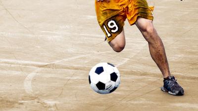 サッカーをプレイすることなくプロチームに所属し世間をだまし続けた伝説のサッカー選手