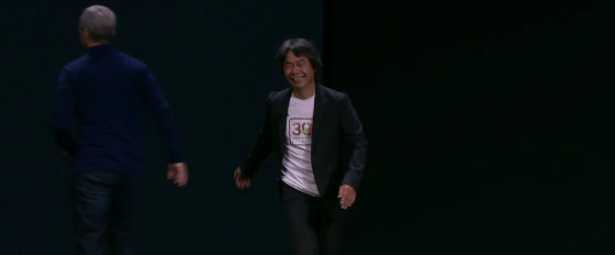 http://i.gzn.jp/img/2016/09/08/apple-event-mario-iphone/snap16745_m.jpg