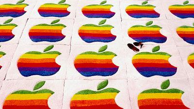 Appleのロゴマークのリンゴはなぜ一口かじられているのかという本当の理由