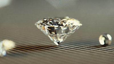 ダイヤモンドではなく「モアッサン石」の方が宝石として優れているという理由