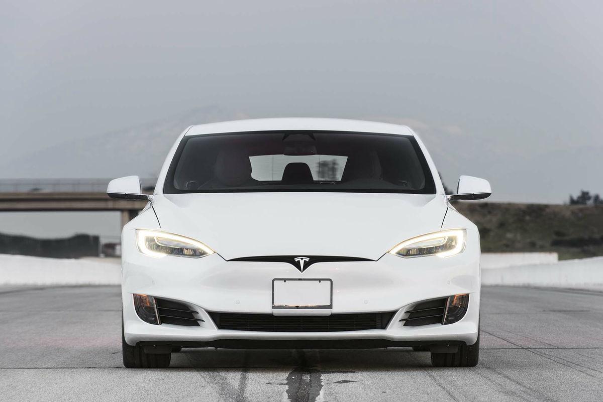 テスラ「モデルs P100d」が驚異的な加速力を発揮、0 60mph加速で市販車最速となる2 28秒を記録