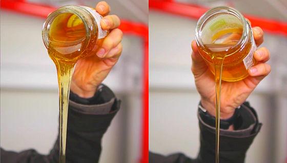 油 に 水 を 注ぐ