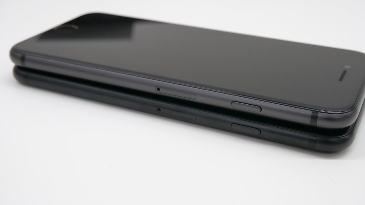 How does iPhone 8 change its design from iPhone 7? - GIGAZINE