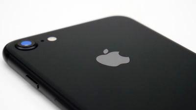 古いiPhoneの性能を意図的に落としたAppleが集団訴訟で100兆円超の支払いを求められる