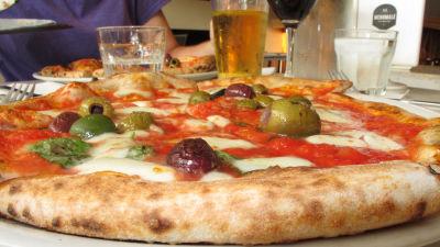 栄養学者が「ピザはシリアルより...