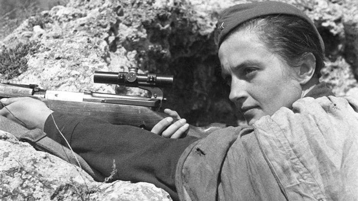 ナチス・ドイツを恐怖に陥れた伝説の女性スナイパー「リュドミラ・パヴリチェンコ」