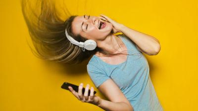 今や「音楽のダウンロード」はCDやレコードよりも衰退している