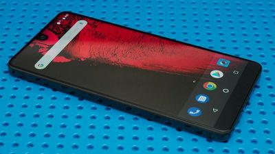 「Androidの生みの親」開発の「Essential Phone 2」が販売中止との報道、理由はメーカー企業の身売りか?