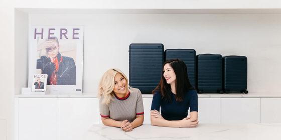 スーツケースブランドAwayの創業者の2人