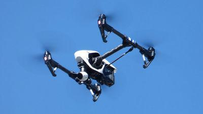 【ばーど】飛行機に衝突してくる鳥をドローンで自動的に追っ払う技術の研究進む YouTube動画>1本 ->画像>10枚