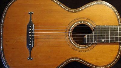 ロシアの伝統楽器「7弦ギター」の世界的中心がアメリカのアイオワ州に存在するわけ