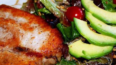 低炭水化物の食事は通常の食事よりも多くのカロリーを消費させるかもしれない