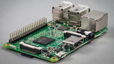 誰でも簡単にRaspberry Pi 3へ64bit ARM版Windows 10をインストールできるツールが登場