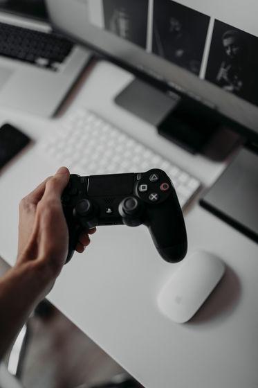 PS5は強力な下位互換性によりPS4のプレイヤーともマルチプレイが可能に