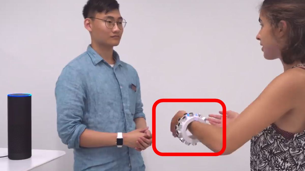 "Photo of A "" bracelet-type eavesdropper '' that prevents everyday conversations from being eavesdropped by smart speakers is developed"