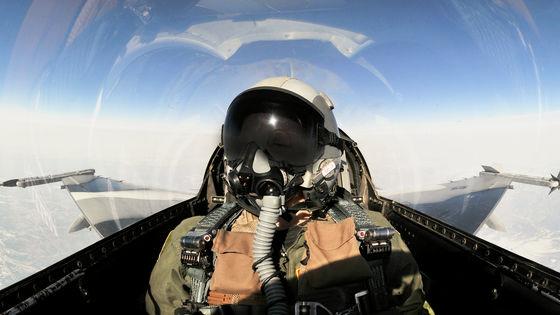 AIの戦闘機パイロットが人間のベテラン海軍パイロットに模擬戦闘で完勝 ...